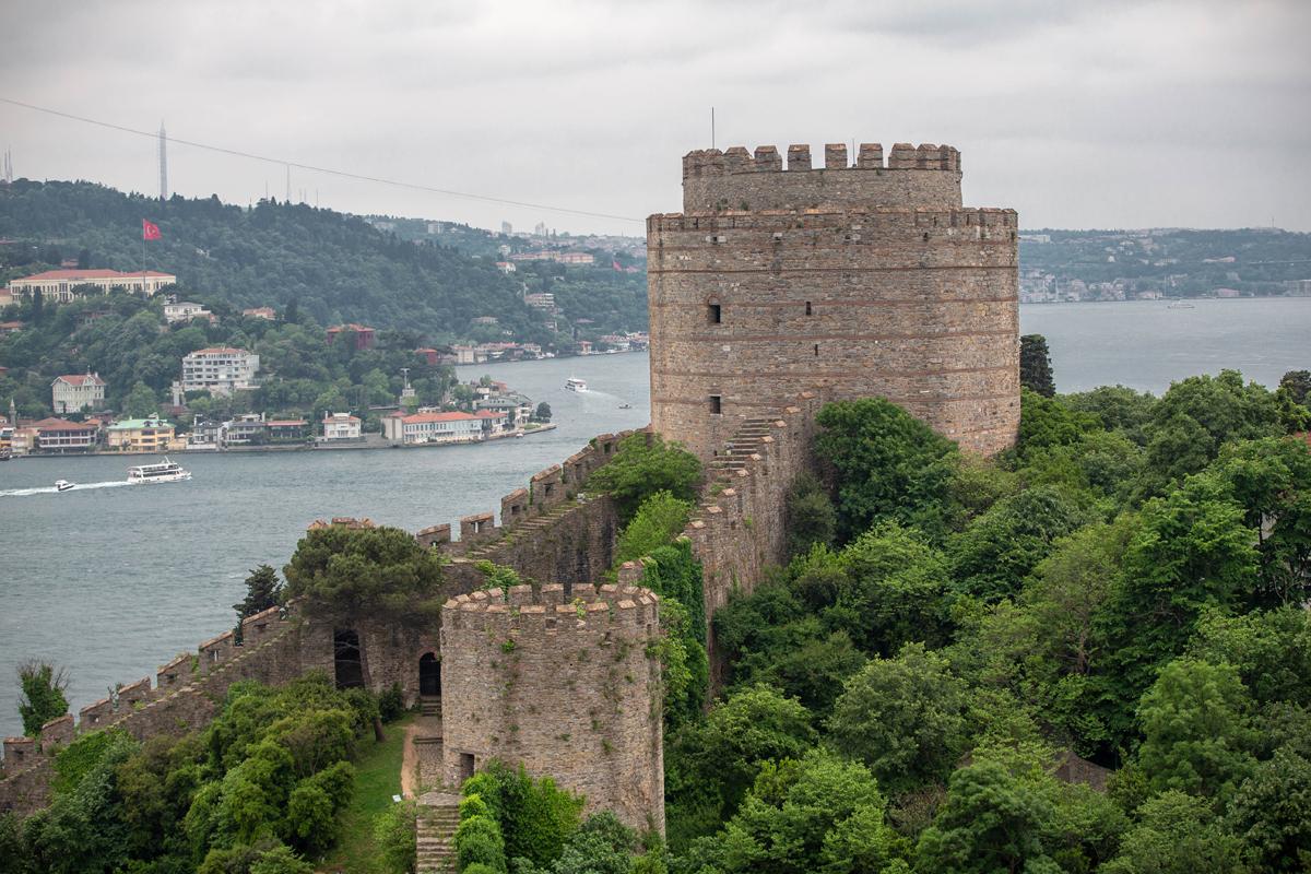 Anadolu Hisarı ve Rumeli Hisarı'nın Tarihi