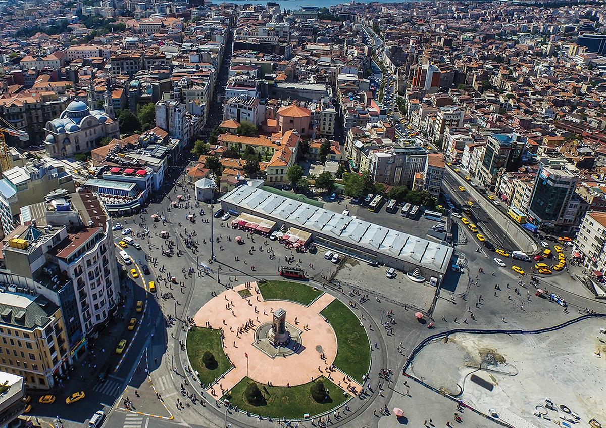 Taksim Meydanı ve Geçmişten Günümüze Tarihi