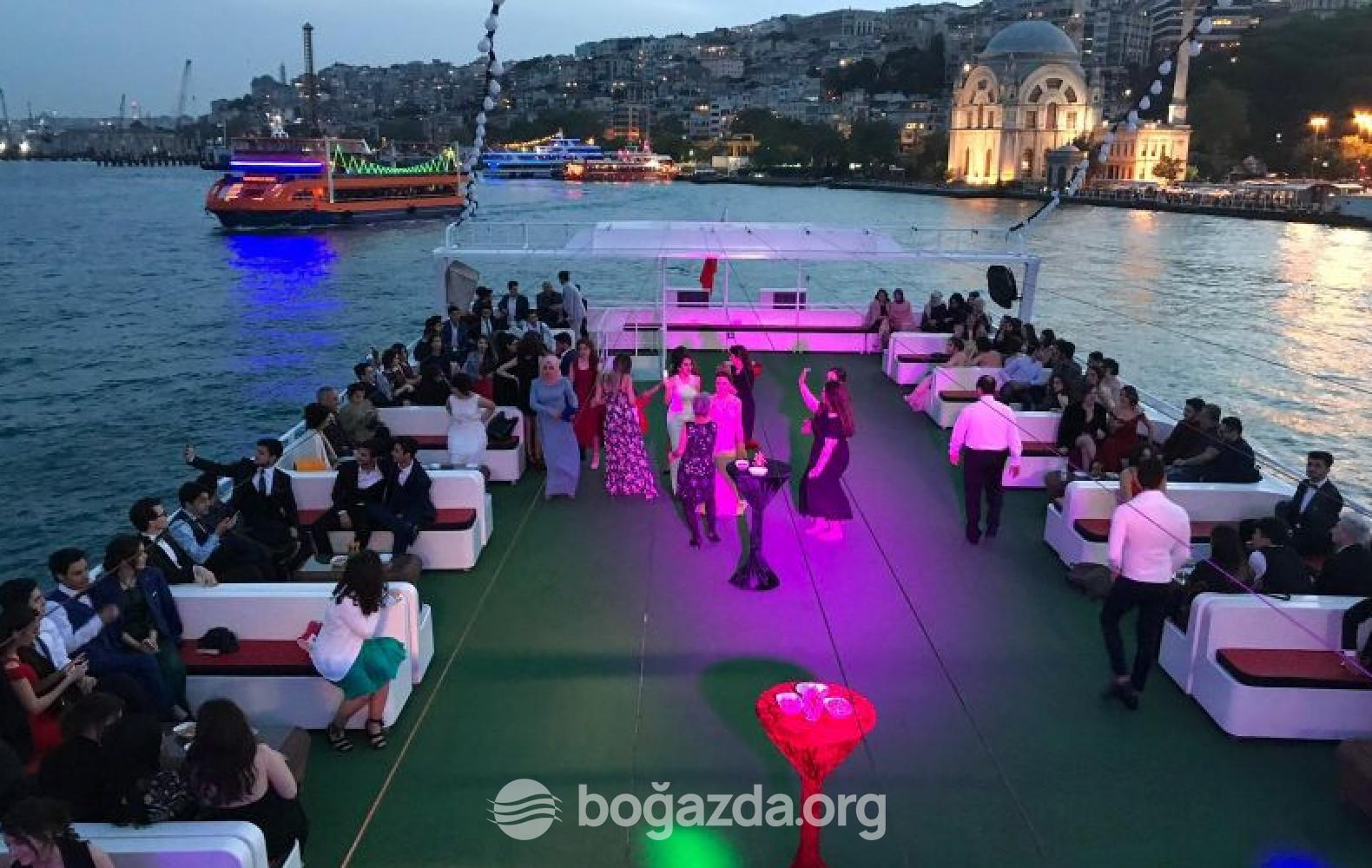 Baba Refik Sezgün II Tur Gezi Teknesi